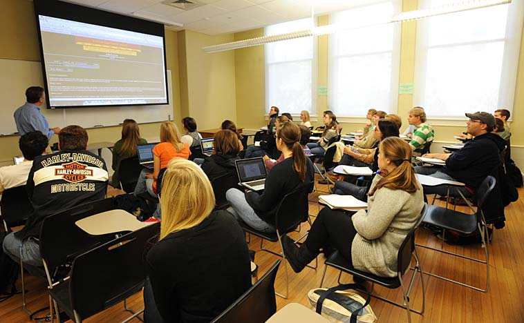 Classroom (file). Photo: Tulane Public Relations/flickr (CC BY 2.0)